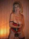 Sex mit schamlosen Rentnerinnen 0900 555 636 6521 (1,98 €/Min. Festnetz, ggf. andere Preise Mobilfunk)